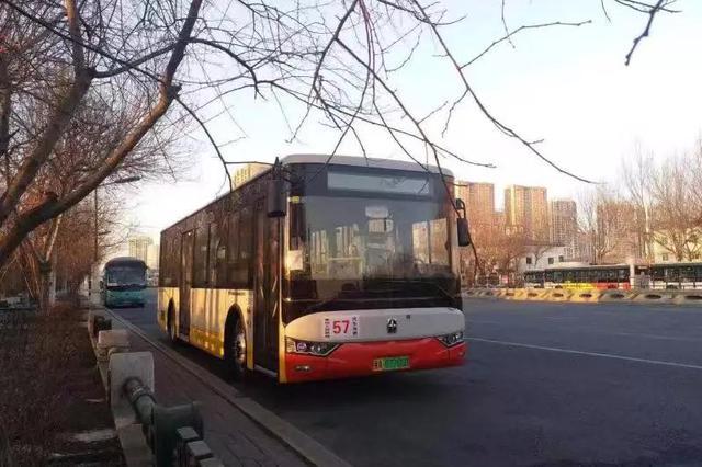 哈尔滨公交57路换新车:更新30台空调车型 票价2元钱
