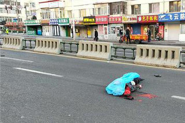 哈尔滨一老汉清晨过道被撞身亡 肇事奥迪司机不知去向