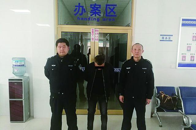 齐齐哈尔一男子喝多非要打110让警车送回家