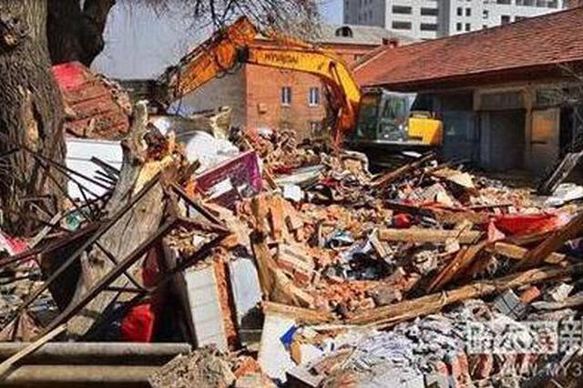 房屋破旧电线杂乱 哈市21处挤占消防通道私建商服被拆