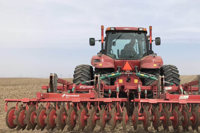 3500亩苞米地深耕备播 冰城又添中药材种植基地