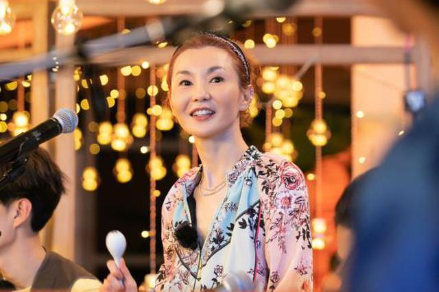 张曼玉献唱原创新歌《年轻》:失败没关系可以面对