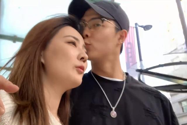 徐璐张铭恩晒vlog官宣恋情 甜蜜表白:你是我的