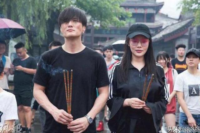 徐冬冬宣布与尹子维分手 4月刚刚求婚成功