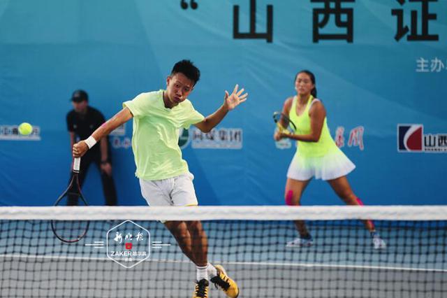 黑龙江选手获二青会网球比赛甲组混双冠军