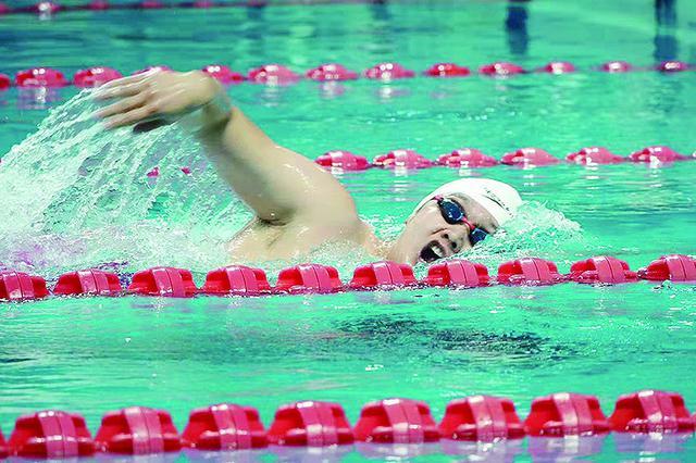 27岁齐铁民警高鹏飞:不会游泳的运动员不是好警察
