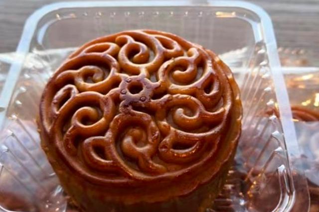 """今年月饼主打""""迷你牌"""":一家人分享一块 趋于零食化"""