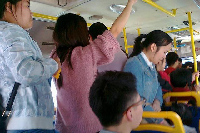 这几趟公交你坐不?209路、201路、73路8月份被投诉最多
