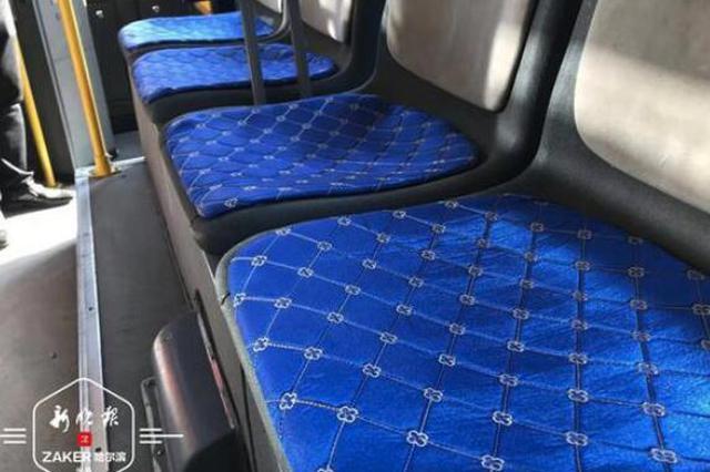 """检修暖风 座椅""""穿棉衣"""" 3000台公交完成冬运整备"""