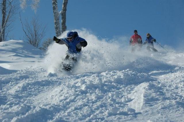 漠河北极滑雪场首滑迎客 刷新全国室外滑雪场首滑记录