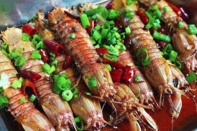 虾爬子爬上冰城餐桌 辽宁产地供应充足价格比去年偏低