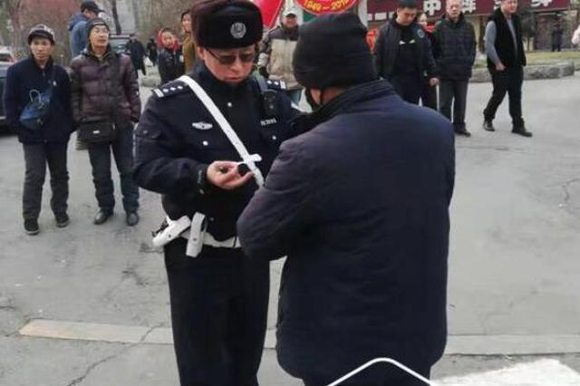 过街闯红灯、不走斑马线 哈市一天420件行人违法被处罚