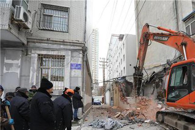堵消防通道20余年 哈尔滨香坊区这处违建一天拆净