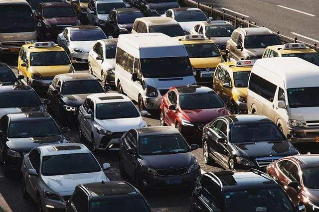 """哈尔滨是全国试点 3月起车玻璃不用再贴""""纸""""了"""