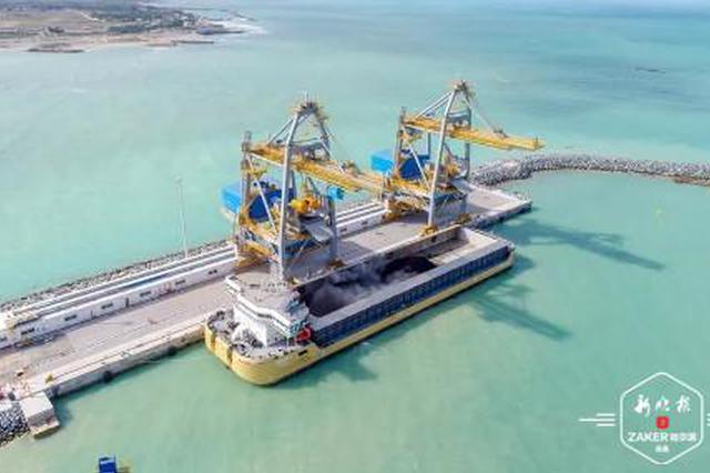 迪拜哈斯彦项目 冰城企业建世界最大煤棚装了第一船煤
