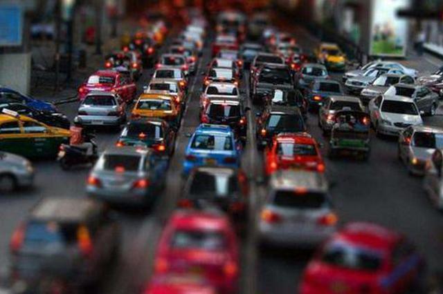 办年货这样走更顺 哈尔滨市交警发节前易堵路段