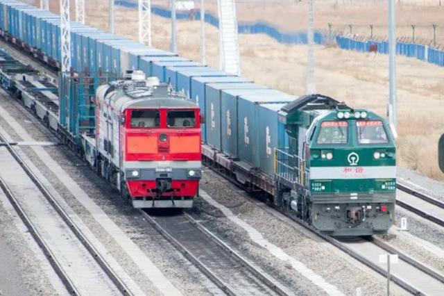 满洲里铁路口岸站进出境中欧班列数同比增长11%