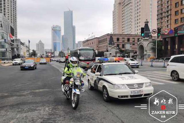 哈尔滨定制公交开进村屯接送考生 车辆驻守考点供休息