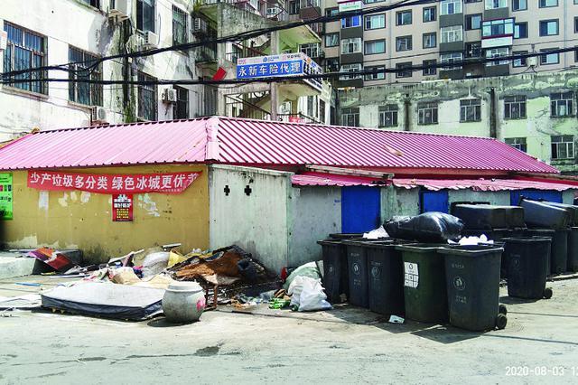 哈尔滨市南岗区红领巾街 垃圾堆放一周无人管