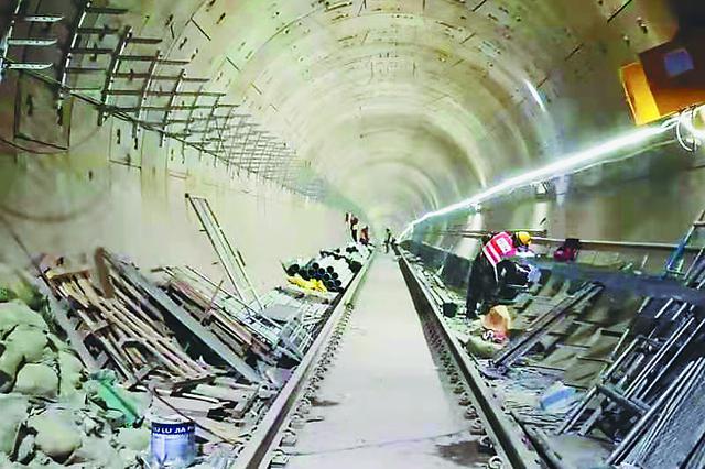 哈尔滨地铁3号线肿瘤医院站 冬季不停工