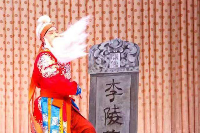 冰城戏迷踏雪赏戏 黑龙江省京剧院年轻演员展国粹魅力