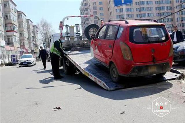 哈市交警从严整治港田车、快递外卖车辆