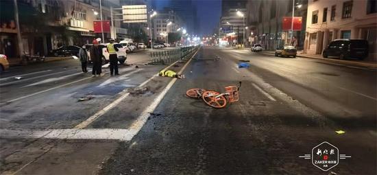 9月28日凌晨 哈尔滨一名环卫工人上班途中被撞身亡