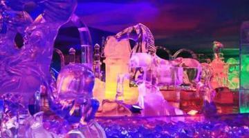 老街冰屋重雕百件冰景迎来南方客