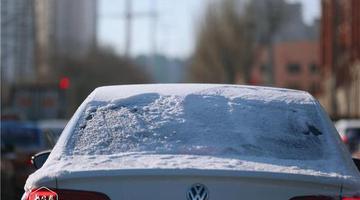 雨雪过后,冰城春寒料峭
