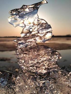冰去春江暖!
