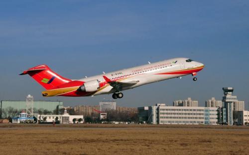 明年规划20架arj21飞机在我省支线航线投入运营.