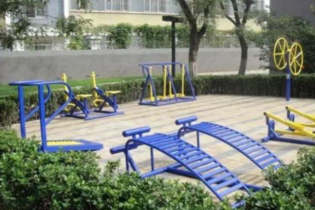 哈尔滨4年建1328个健身活动点 出门10分钟就能抻上腿