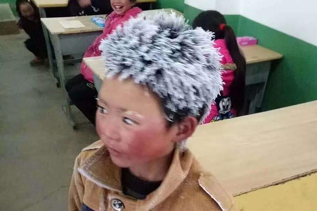 澎湃对话昭通8岁冰花男孩:上学冷但不苦 想当警察