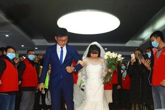 """白血病女孩办""""一个人婚礼"""" 仪式后签遗体捐献书"""
