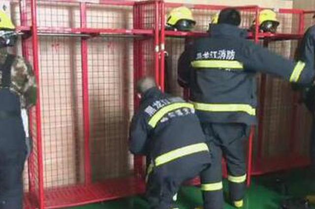 为百姓守岁除夕夜无眠:冰城消防指战员备战保安全