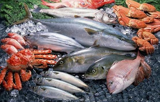 海鲜大礼包成消费者新宠 野生的少且贵挑海鲜要四看