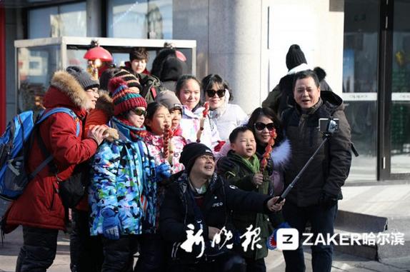 玩嗨了!春节哈尔滨中央大街每天接待游客20余万