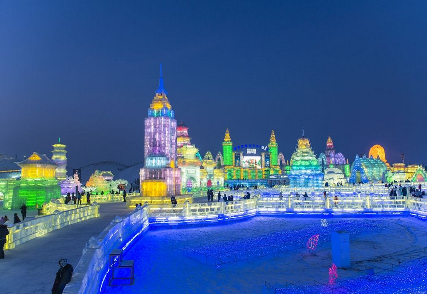 哈尔滨冰雪大世界除夕一天五次登上央视
