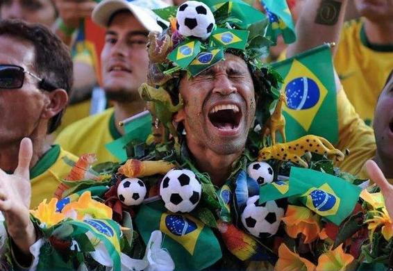 """世界杯带热常德""""球迷经济"""" 商家推出看球专场"""