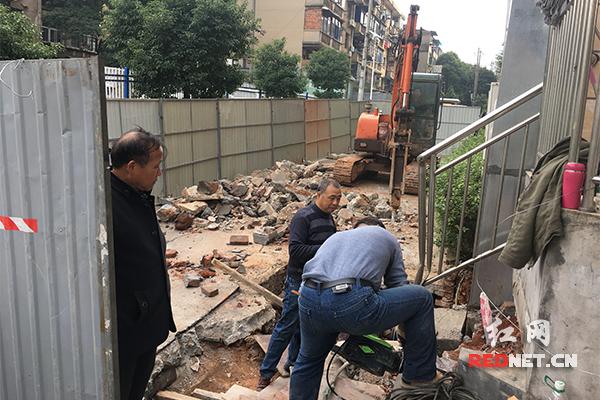 长沙曙光社区现坍陷隐患路段 紧急抢修将需半月