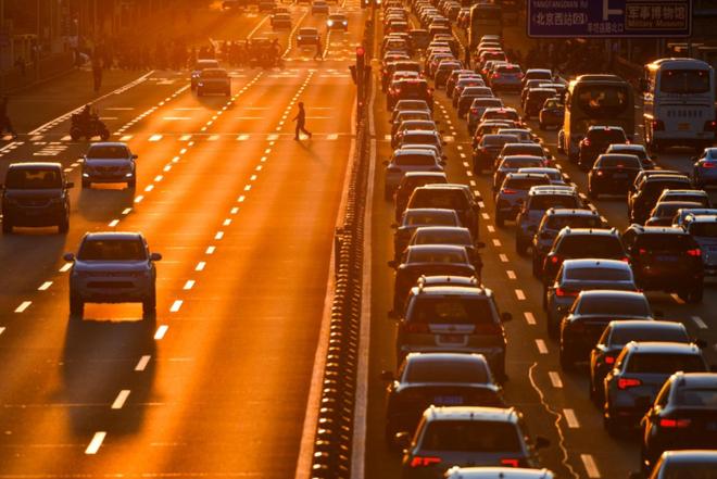连续数月持续低迷的中国车市