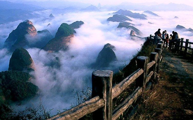 湖南23家地质公园美景登上明信片 长沙首发1.2万套