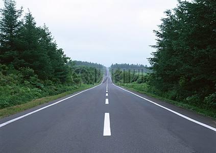 湖南新增自然村通水泥沥青路2万公里