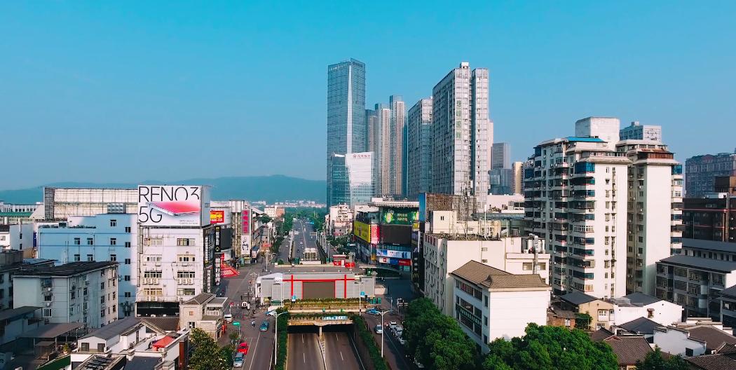 白果园:繁华商圈中央的静谧花园