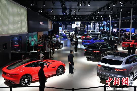 资料图:9月5日,第二十二届成都国际车展现场。张浪 摄
