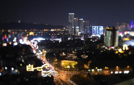 夜色中的长沙市天心阁。