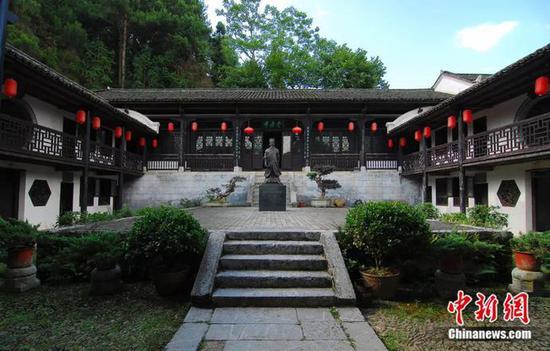 汝城县西郊的濂溪书院,清嘉庆九年(1804)为纪念县令周敦颐而建。