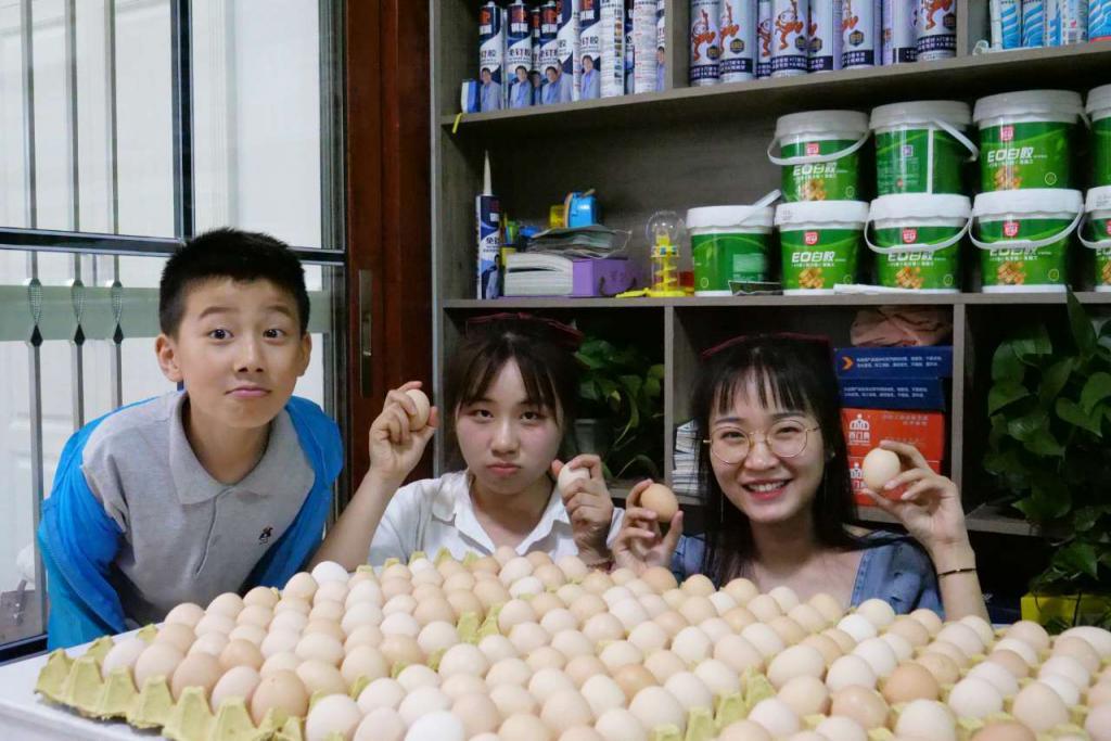 """常德妹子中奖得1.4万个鸡蛋 奖品到货后全家吃了""""鸡蛋宴"""""""
