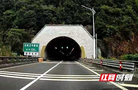 10月16日起,莆炎高速、武深高速沿线多隧道将进行封闭施工,注意绕行。