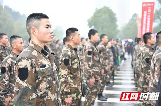 500多名退役士兵参加活动。